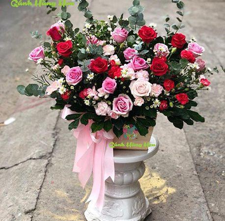 Các Mẫu Cắm Hoa Hồng Đẹp Trang Trí Cho Gia Đình