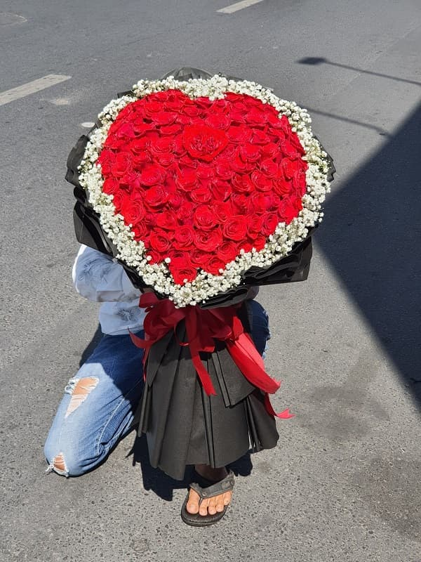 hoa hồng cầu hôn người yêu