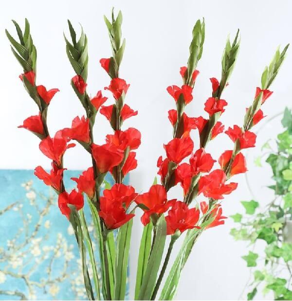 Chia Sẻ Cách Cắm Hoa Huệ Đỏ Để Bàn Thờ